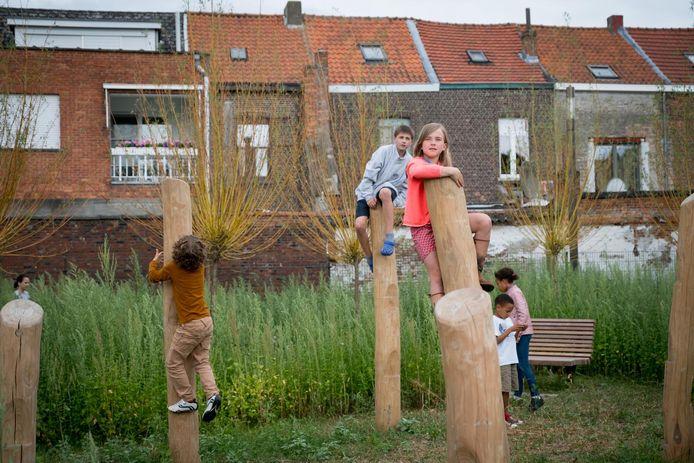 In juni 2017 opende het stadsbestuur het nieuwe Pennepoelpark. De kinderen reageerden meteen enthousiast op de nieuwe speel- en ontmoetingsplek van 5.500 vierkante meter.