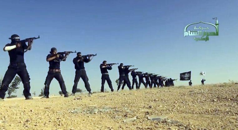 Een screenshot uit een video van de terroristische groepering Ahrar al-Sham. Beeld Hollandse Hoogte / AFP