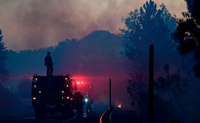De Bobcat Fire is een van de grootste bosbranden in de geschiedenis van Los Angeles.