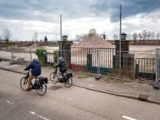 Van fietszadelfabriek Lepper is alleen nog de poort over; op het terrein komt nieuwe bedrijvigheid