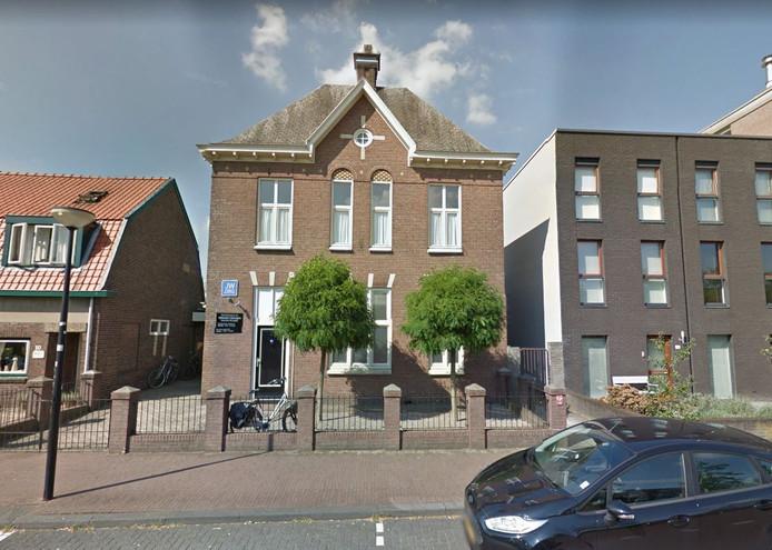 Het pand van de Jehova's getuigen aan de Flevostraat