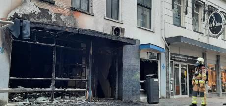 In onderbroek en op één sok liep opgepakte bewoner brandend pand Kampen uit: 'Beetje louche type'
