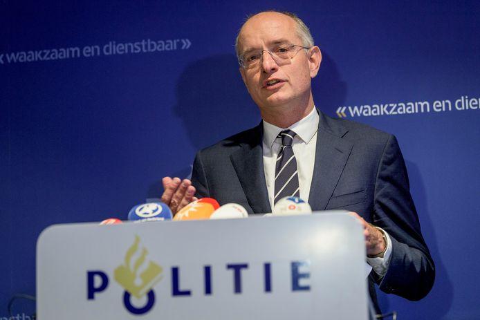 Burgemeester Onno van Veldhuizen.