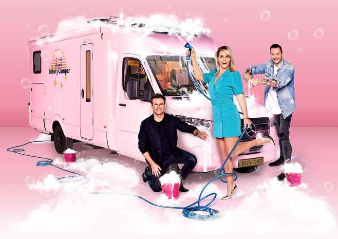Chantals Beauty Camper: Chantal Janzen samen met stylisten Fred van Leer (rechts) en Leco van Zadelhoff.