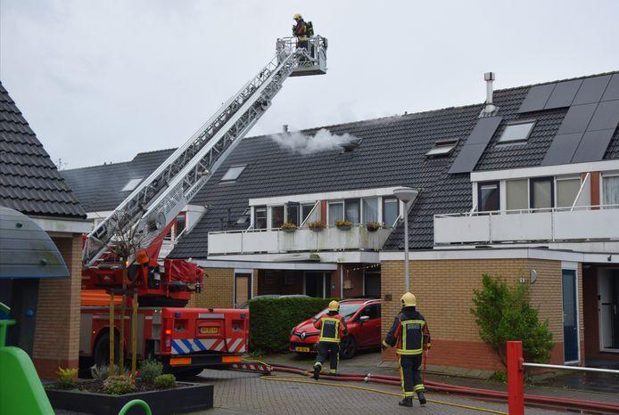 In de woning van Linda Zoetendaal aan de Noordschans in Oude Wetering brak vorig jaar een dag voor kerst brand uit.