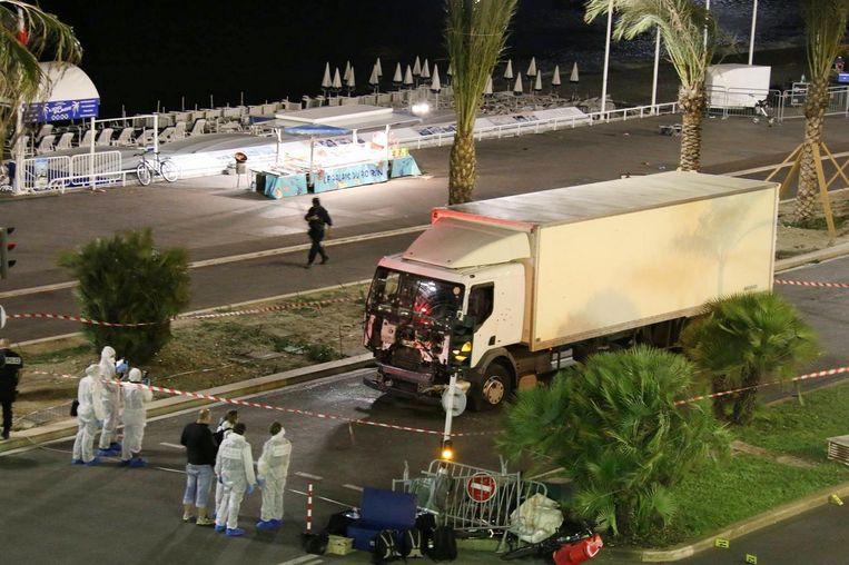 Het terrein rond de Promenade des Anglais is afgezet. Beeld ap