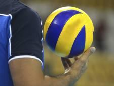 Vier volleybalsters van Velden naar Ledûb