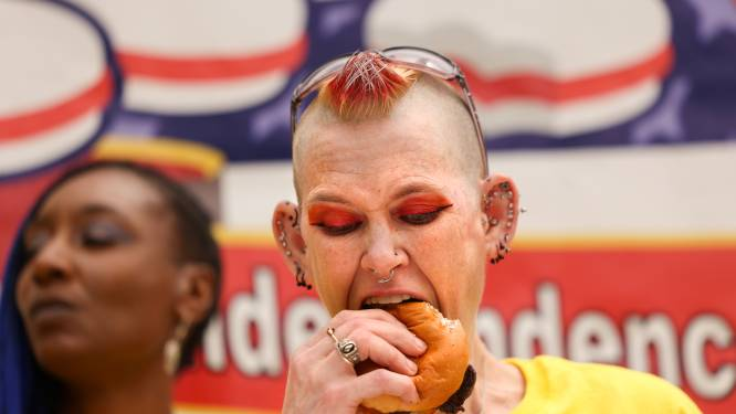 34 hamburgers op tien minuten: eetwedstrijd in aanloop naar 4th of July eindigt gelijk