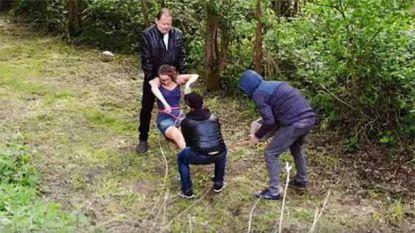 VIDEO: Akelig ... wat zou jij doen als er een lichaam in het kanaal wordt gegooid?