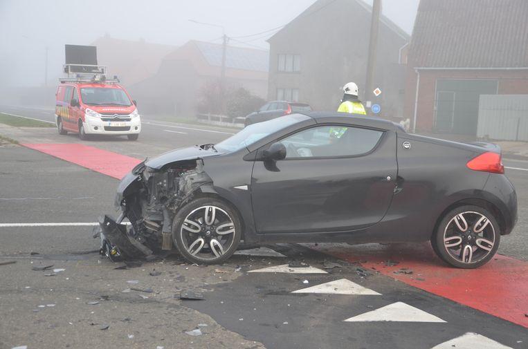Ook de Renault liep heel wat schade op.