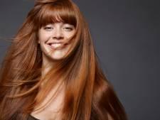 Quatre manières efficaces de se lisser les cheveux sans chaleur