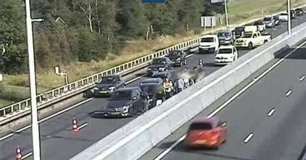 Half uur na ongeluk opnieuw botsing op A58 bij Oirschot: verkeer richting Tilburg staat muurvast.