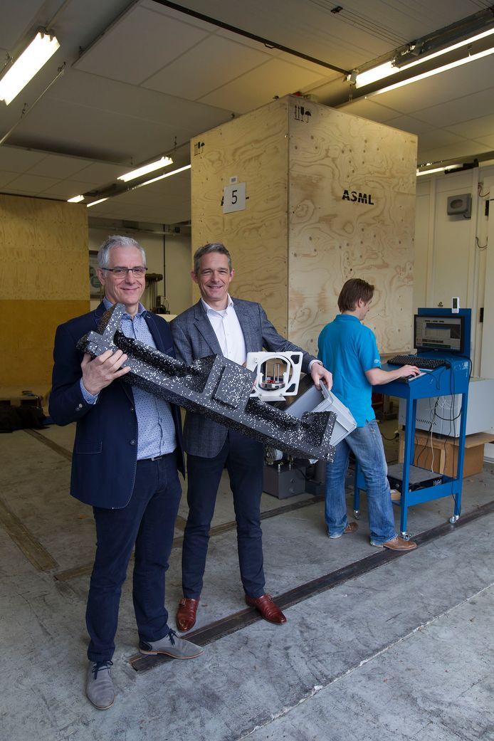Peter Geerts (l) met een verpakkingsmiddel met Peter Rikken van Meilink dat IPS onlangs volledig overnam. Archieffoto