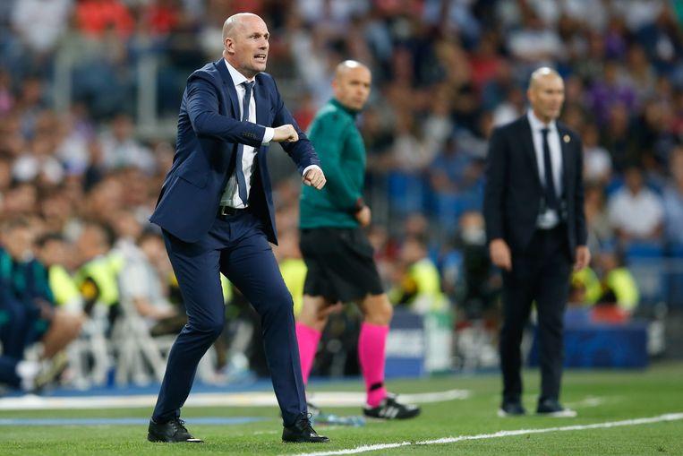 Een jaar geleden stond Brugge-trainer Clement nog in Santiago Bernabéu naast Zidane. 'Of het nu tegen Real Madrid is of Zenit Sint-Petersburg: het blijft de Champions League.'   Beeld BELGA