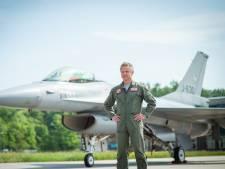 Piloot Roland Slager maakt na 30 jaar laatste vlucht in F-16: 'Politieke rugdekking ontbreekt'