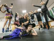 Elizabeth runt dansschool in Borne: 'Een perfecte baan'