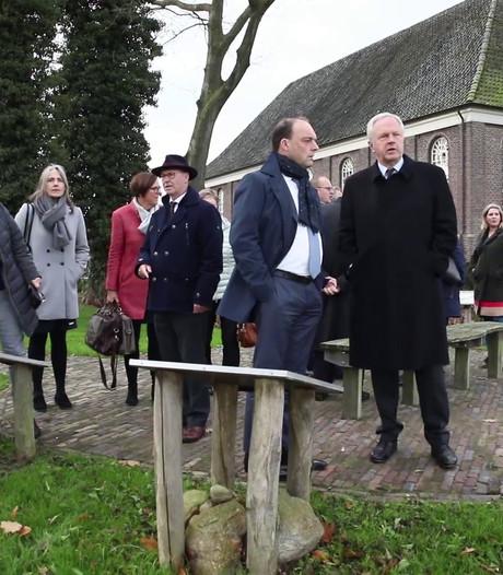 Bach door de burgemeesters van Overijssel