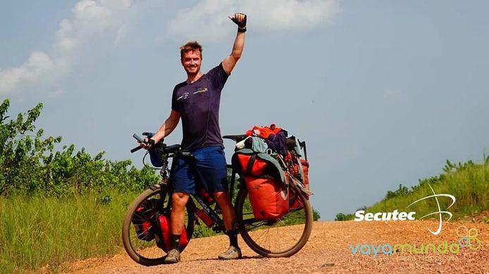 Jelle Veyt moest vorig jaar zijn fietstocht door Afrika richting Kilimanjaro onderbreken door uitbraak van de coronacrisis. In juli wil hij die hervatten.