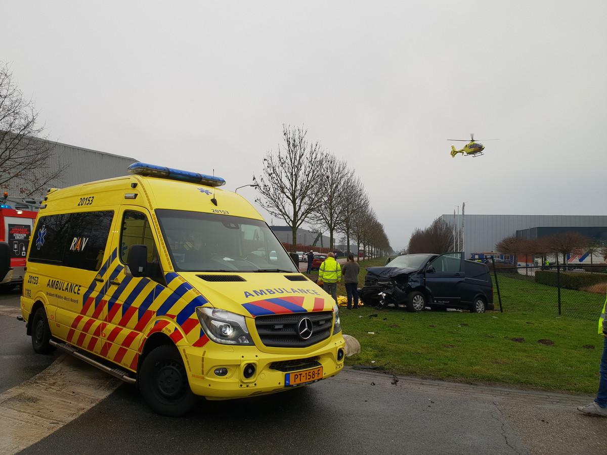 Traumahelikopter geland in de buurt van het ongeluk in Waalwijk.