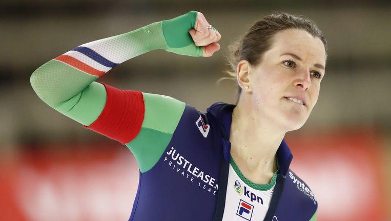 Ireen Wüst na de 1500 meter tijdens de allround schaatsen wereldkampioenschappen in Hohenschonhausen Beeld anp