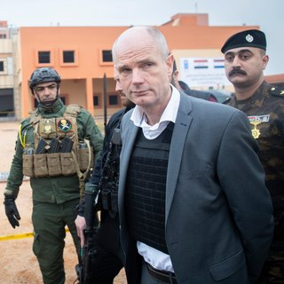 Door minister Blok lijkt het Nederlandse buitenlandbeleid een zwart gat geworden