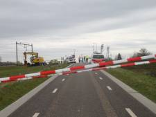Machinist ziet lichaam op het spoor bij Zwolle, politie onderzoekt de zaak