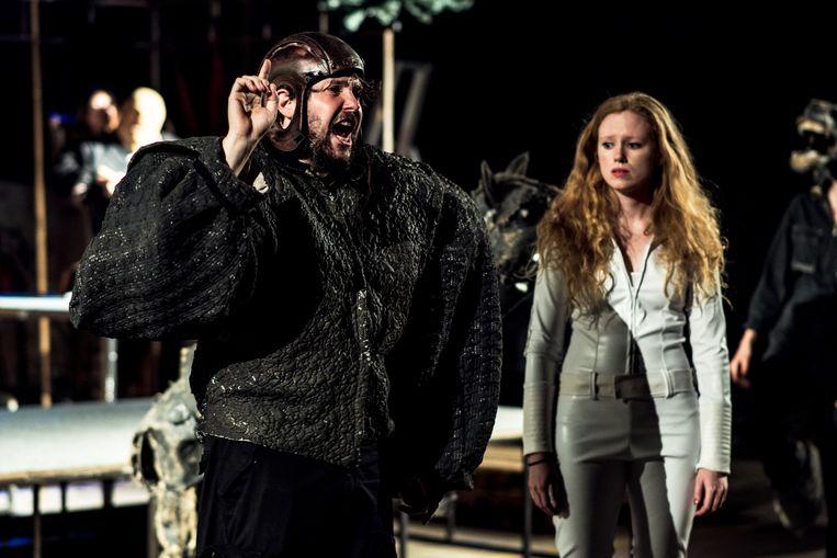 Yves De Pauw als Titus en Hanne Torfs als Lavinia Beeld Tine Schoemaker
