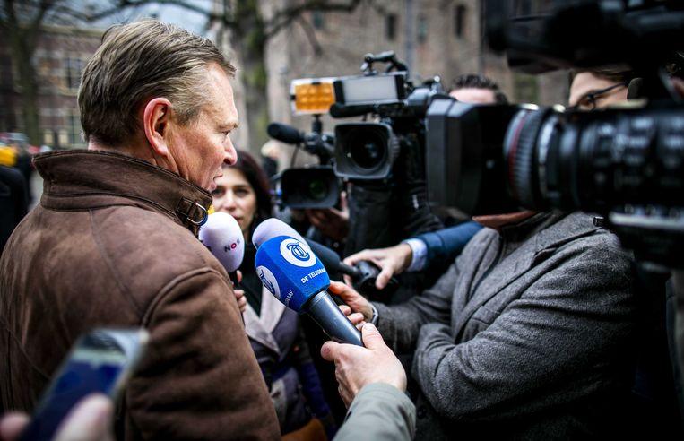 Bruno Bruins, minister voor Medische Zorg, komt aan op het Binnenhof voor de wekelijkse ministerraad. Beeld ANP