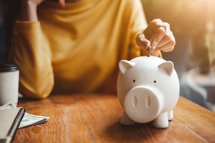 Een spaarpot geeft je geen rente, bij je bank moet je straks misschien zelfs betalen om je spaargeld te stallen.
