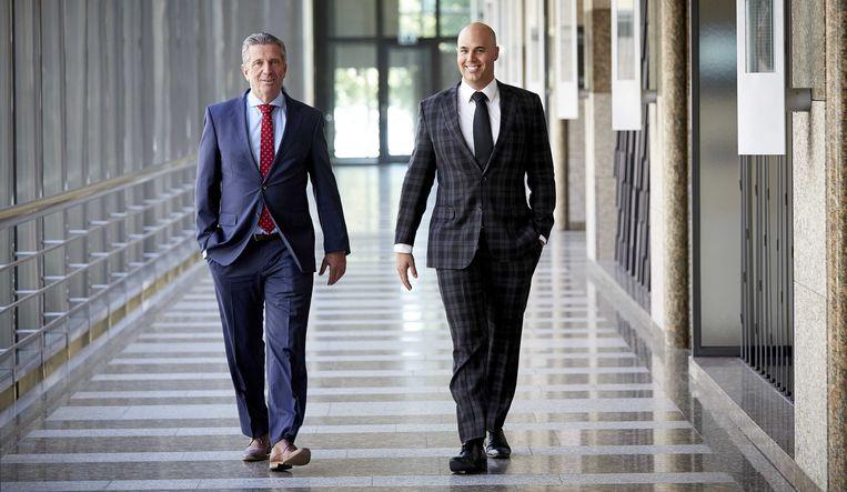 De vroegere PVV-Tweede Kamerleden Louis Bontes (R) en Joram van Klaveren. Beeld ANP