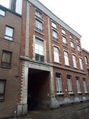 De voorgevel van Buurtwerk 't Lampeke in Leuven zoals die er nu nog uitziet.