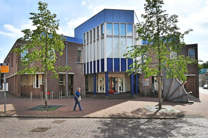 In het pand waar tot voor kort de bibliotheek was gevestigd, opent de GGD Twente op 1 maart een vaccinatielocatie.