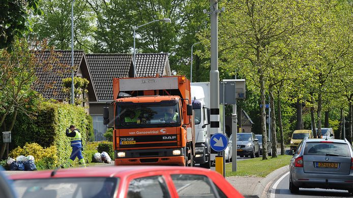 Alledaags beeld op de N264 in Sint Hubert.