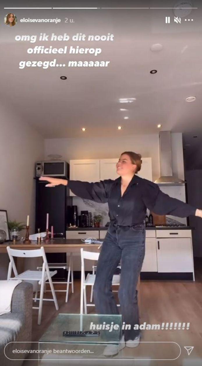 Gravin Eloise toont haar appartement.