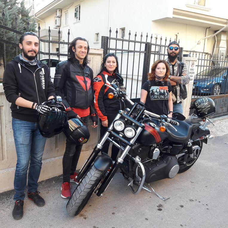 Vijf studenten in Aksaray: 'We laten ons geen godsdienst van 1.400 jaar geleden opleggen.' Beeld Rob Vreeken