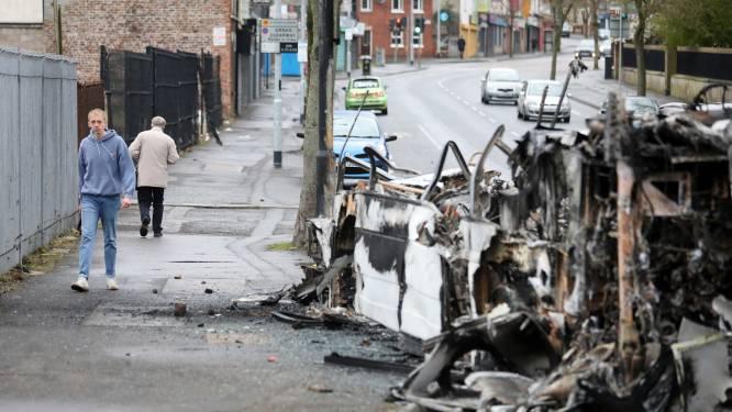 """Regering Noord-Ierland maant tot kalmte na onlusten: """"Zeer bezorgd over gebeurtenissen"""""""