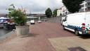 De plantenbakken die straatraces op de Rijnkade moeten ontmoedigen, bieden onvoldoende soelaas.