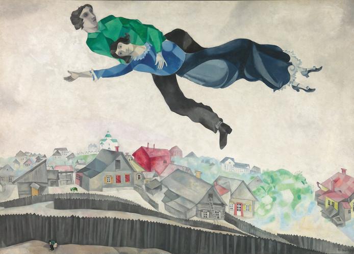 'Boven de stad',  werk van Marc Chagall uit 1914-1918, onderdeel van de tentoonstelling in Parijs.