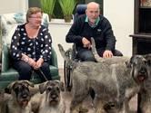 Dochters verloren beide ouders uit Harderwijk aan corona: 'Ineens moesten we twee kisten in de aarde laten zakken'