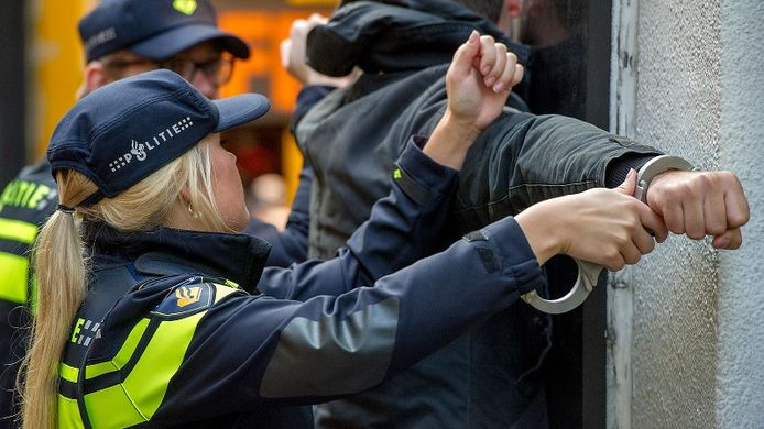 De 40-jarige Dordtenaar werd aangehouden op verdenking van een terroristisch misdrijf. Foto ter illustratie.