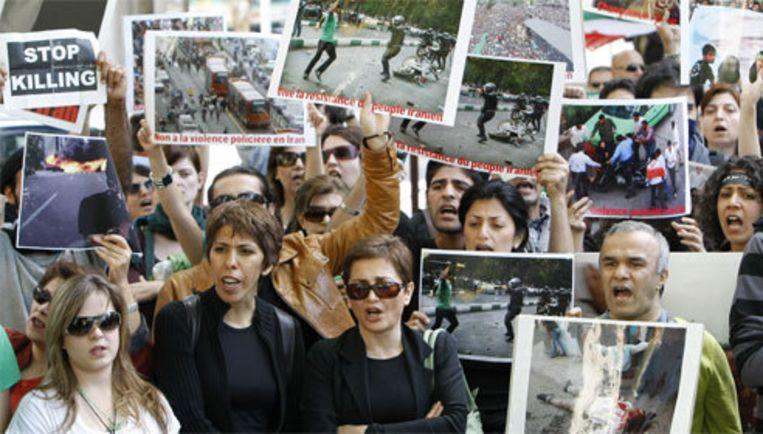 De Iraanse oppositie demonstreert al meer dan een week tegen de uitkomst van de presidentsverkiezingen van 12 juni. Foto AP Beeld