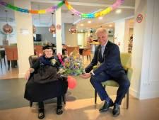 Beertje uit Rouveen (100) is oudste vrouw van Staphorst