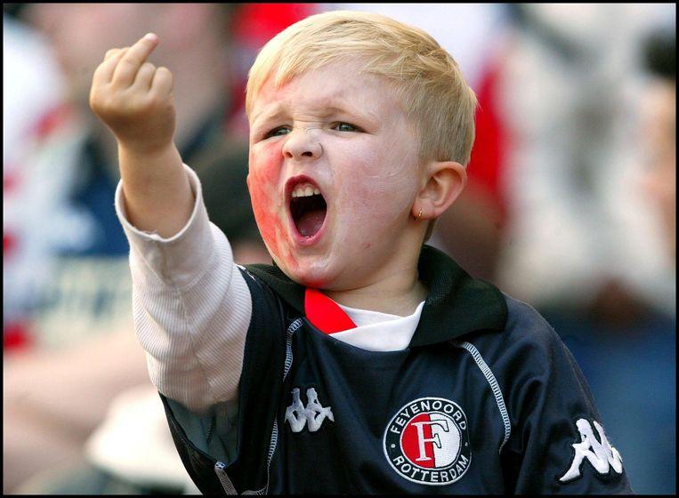 Een fanatieke jonge Feyenoord-fan. Beeld anp