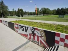 Lot PSV in handen van drie wijze mannen