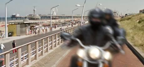 Scheveningen is 'pokkeherrie' van auto's, scooters en motoren spuugzat: 'Het wordt steeds erger'