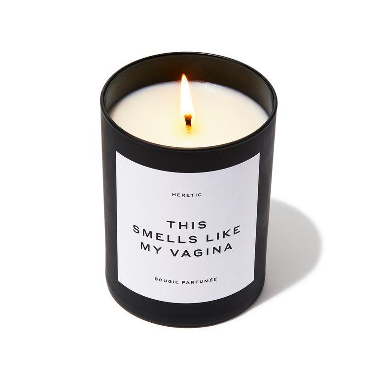 Deze kaars met een geur die 'grappig, prachtig, sexy en onverwacht' is, kostte 67,50 euro maar is uitverkocht Beeld rv