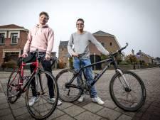 Niels (28) uit Losser fietst 2000 kilometer als eerbetoon aan overleden vader