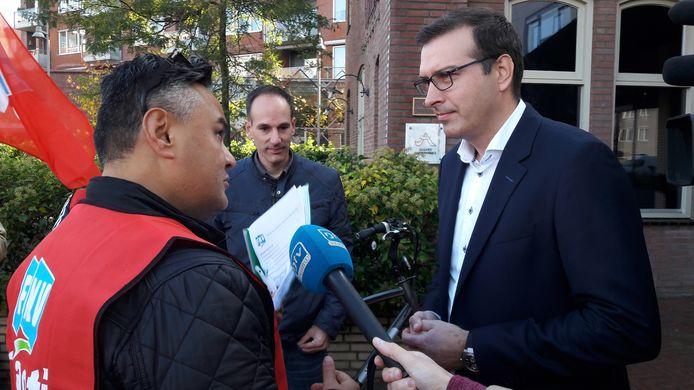 FNV biedt handtekeningen Unox-personeel Unilever in Oss aan voor behoud van 'fatsoenlijke arbeidsvoorwaarden' na overname door Zwanenberg.