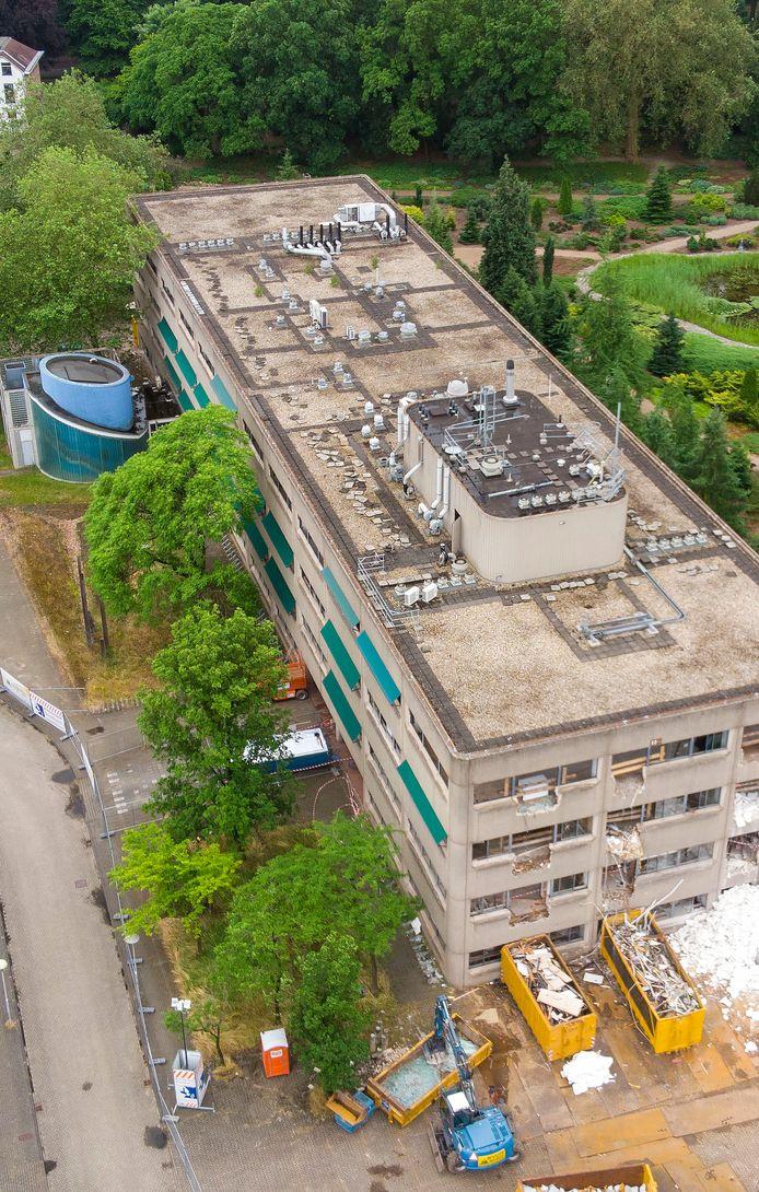 Sloop Transitorium gebouw op voormalig universiteitsterrein de Dreijen