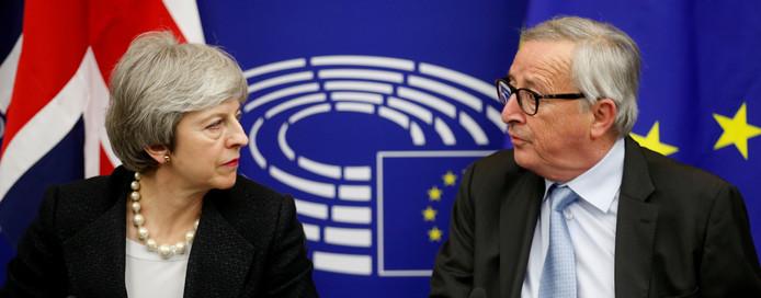 Hebben Theresa May en Jean-Claude Juncker elkaar weer gevonden?